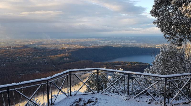 Foto Neve – Dalla Loggetta di Monte Cavo su i due Laghi!