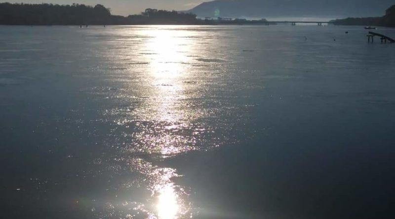 Sabaudia – Lago ghiacciato causa il troppo freddo!