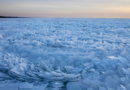 Le onde ghiacciate dei laghi più freddi del pianeta.